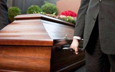 Een begrafenis buiten Nederland organiseren, hoe werkt dat met de begrafenisverzekering?
